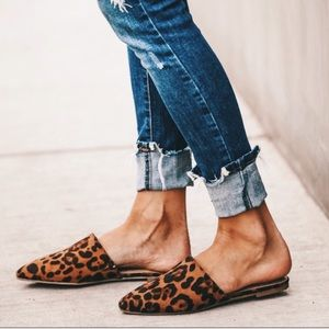 Shoes - Leopard cheetah prints flats slip on pointed mules